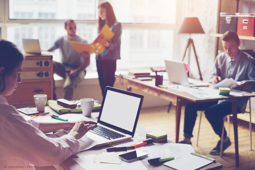 Coworking Space, eine Art betriebsübergreifendem Grossraumbüro