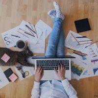 Home Office Büro - arbeiten von Zuhause aus