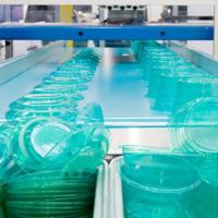 Kunststoff, ein Allerweltsmaterial und ideal für Verpackungen geeignet